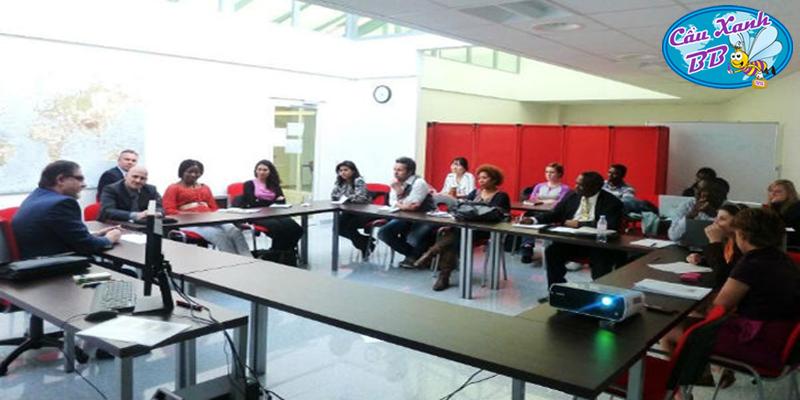 Chọn Đại học Kinh doanh Quốc tế UBIS tại Geneva Thụy Sỹ để tiết kiệm chi phí nhất