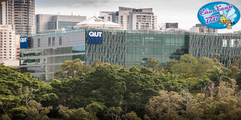 Đến với trường đại học lớn nhất Úc, đại học Công nghệ Queensland (QUT) tại bang Queensland thanh bình và ôn hoà nhất nước Úc