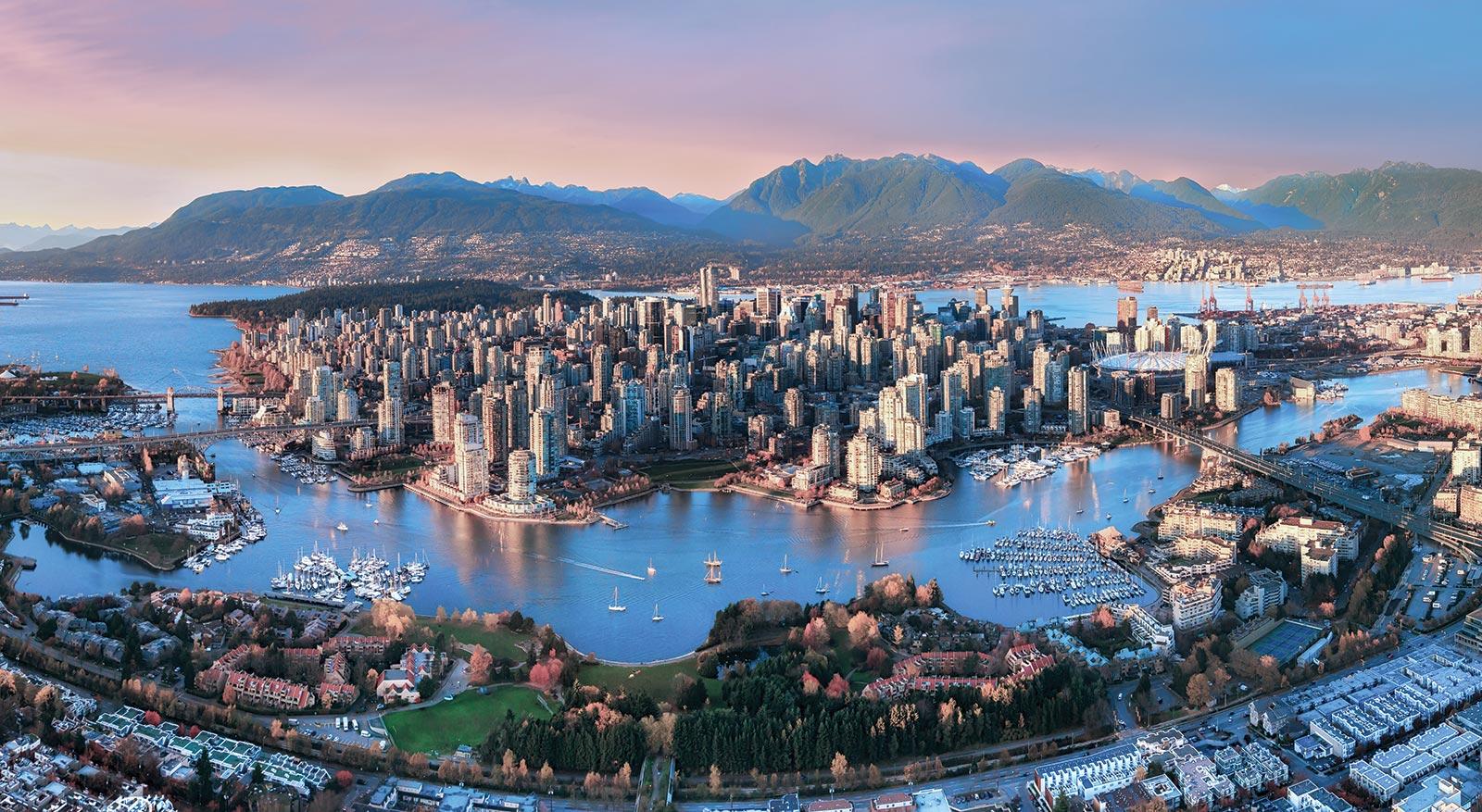 Học bổng & tặng vé máy bay du học Canada, trường Vancouver Premier College of Hotel Management