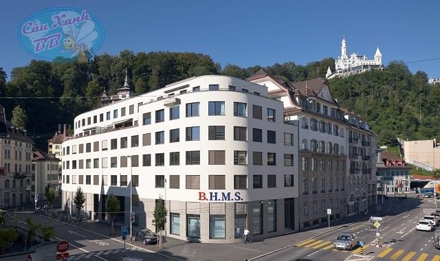 BHMS Thụy Sĩ: Trường Kinh doanh & Quản trị khách sạn hàng đầu