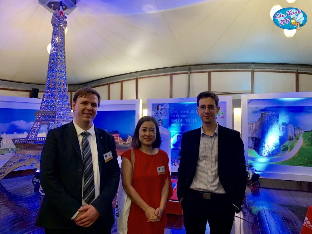 Cầu Xanh làm việc tại Campus France để phát triển du học Pháp